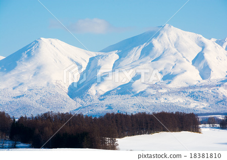 Stock Photo: snow mountain, sunny winter day, tokachidake mountain range