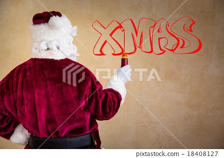 Santa Claus making a graffiti 18408127