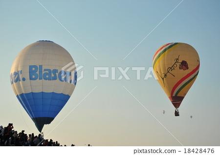 Balloon Festival 18428476