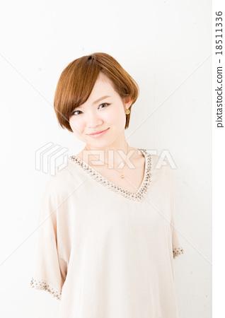 Short hair women 18511336
