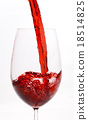 Red wine pouring 18514825