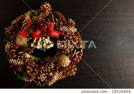 Christmas wreath 18526848