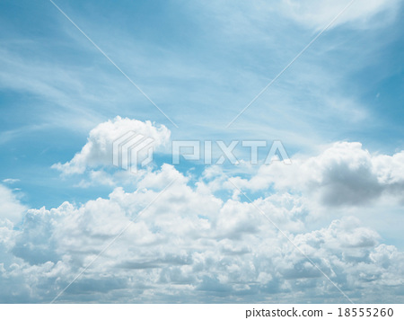 Clear blue sky with white cloud 18555260