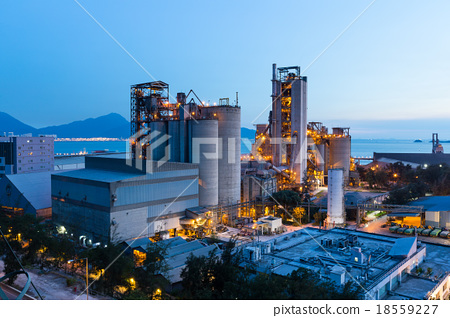 Industrial plant at night 18559227