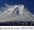 富士山 云层间的裂痕 冬天 18581992