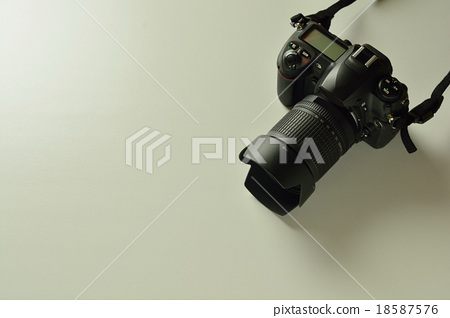 Digital single-lens reflex camera 18587576