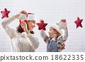 child, mother, christmas 18622335