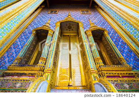 The famous royal emerald temple from Bangkok 18640124
