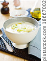 Cauliflower soup 18667002