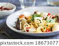 Spaghetti seafood 18673077