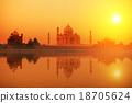 Taj Mahal India 18705624