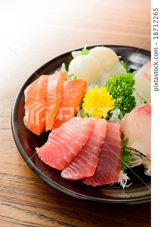 Assorted sashimi 18717265