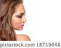 female,young,makeup 18719648