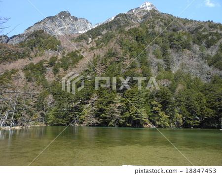 Ming Dynasty and Akasaki Pond 18847453