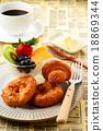 早餐 麵包 白色板 18869344