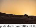 阿曼 沙漠 汽车 18877834