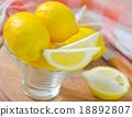 fresh lemons 18892807