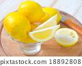 fresh lemons 18892808