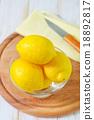 fresh lemons 18892817