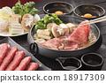 牛肉 用鍋烹飪 鍋裡煮好的食物 18917309
