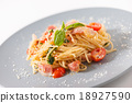 Pasta with tomato and cheese 18927590