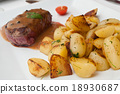 steak grilled with pepper sauce and potatoes 18930687