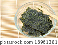 Fried seaweed. 18961381