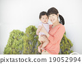 미소 짓는 부모 (야외 정원) 19052994