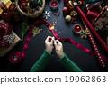 Overhead shot of Christmas presents  19062863