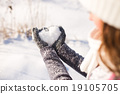 Lady's glove and snow heart 19105705
