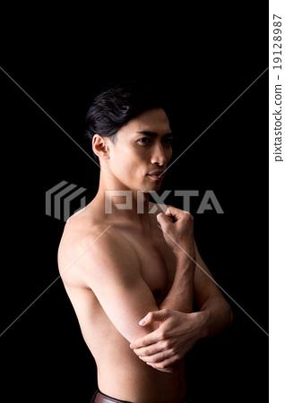 年輕人(裸體) 19128987