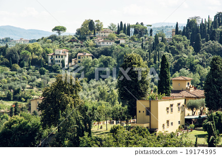 Tuscan countryside, natural scene 19174395