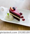 rasberry cake 19180100