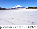 Mount Fuji and Frozen Lake Yamanaka on Sunny Day 19248921