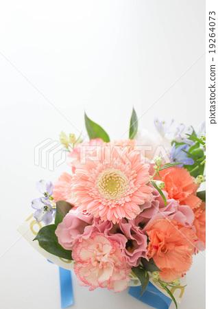 Pink color mini arrangement 19264073
