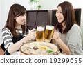 鍋裡煮好的食物 淡啤酒 啤酒 19299655