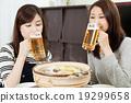 鍋裡煮好的食物 淡啤酒 啤酒 19299658