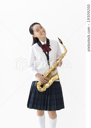 Junior high school girls with saxophone 19309200