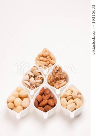 各種堅果(杏仁,腰果,澳洲堅果,開心果,花生,核桃) 19315633