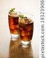 Soda or cola 19323906