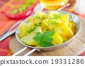 boiled potato 19331286