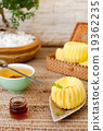 Traditional asian rice cake with honey 19362235