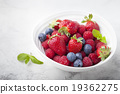 Fresh berries, blueberry, strawberry, raspberry 19362275