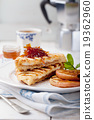 French toasts with orange marmalade 19362960