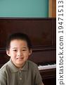 在家 男孩 钢琴 19471513