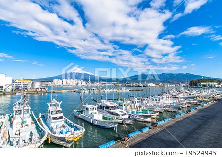 [靜岡]塔古那拉港,富士山和漁船 19524945