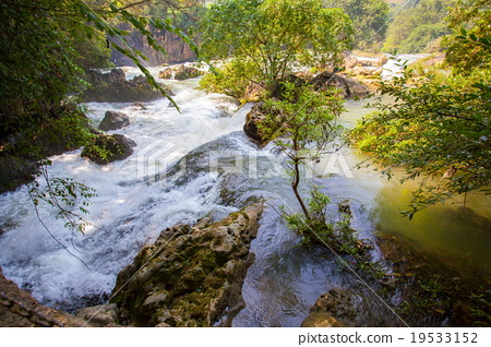 Tianxingqiao area scenery of Huangguoshu waterfall 19533152