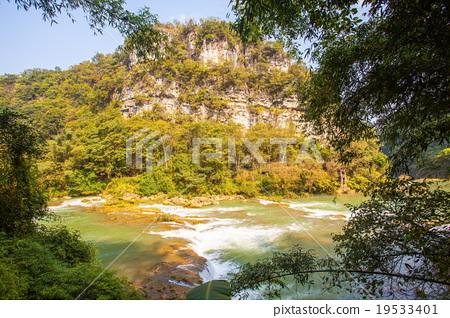Huangguoshu waterfalls scenery 19533401