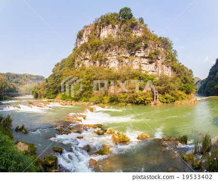 Huangguoshu waterfalls scenery 19533402