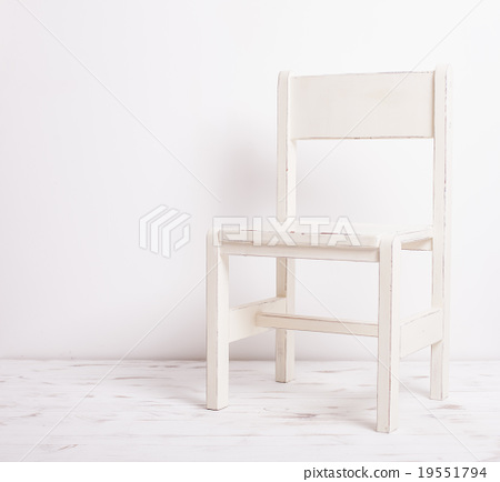White old-fashioned chair  19551794
